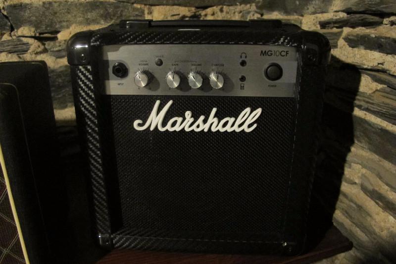 marshall-mg10